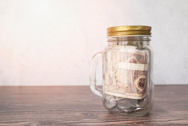 Jarra de cristal para ahorros