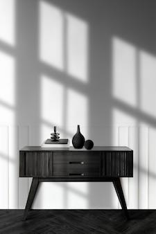 Jarrón en una mesa de aparador de madera
