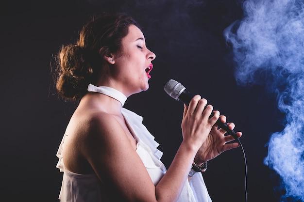 Joven cantante