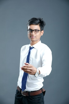 Joven empresario indio