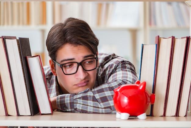 Joven estudiante en concepto de libros caros