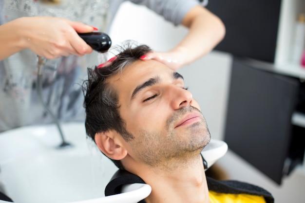 Joven, en, peluquero