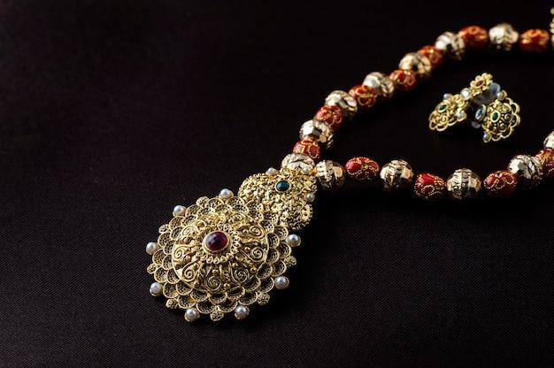 Joyería tradicional india