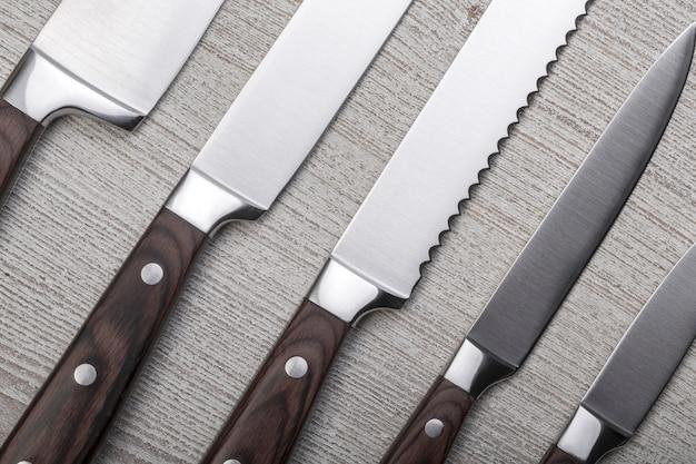 Juego de cuchillos de cocina de alta calidad.