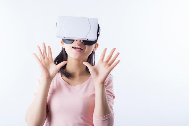 Juego de simulación de la realidad emoción internet