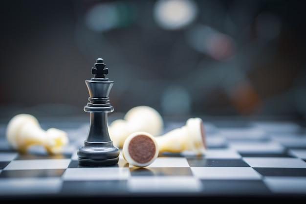 Juego de tablero de ajedrez para conceptos de liderazgo.