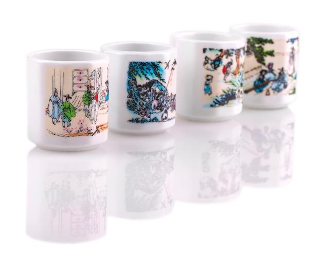 Juego de tazas de cerámica blanca para sake