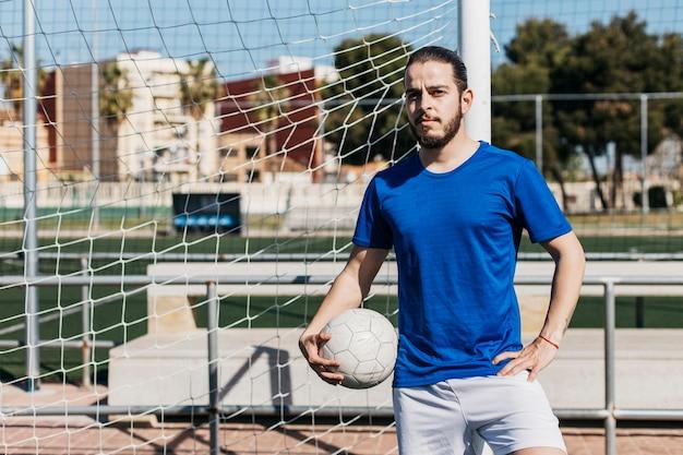 Jugador de fútbol entrenando