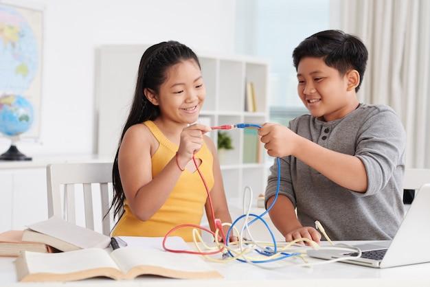 Jugando con conectores de internet