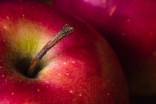 Jugoso primer plano rojo manzana fresca