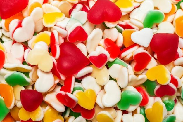 Jugosos dulces de gelatina de colores. caramelos de goma.