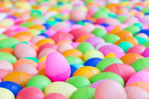 Juguete de plástico para huevos de pascua infantil.