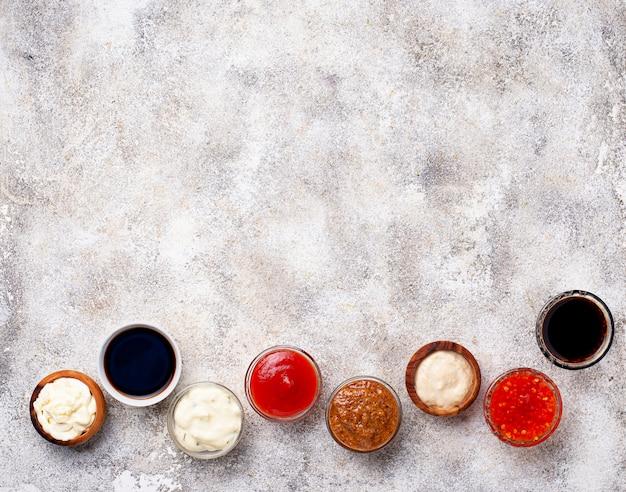 Ketchup, mayonesa, mostaza, rábano picante, salsa de soja y tartar
