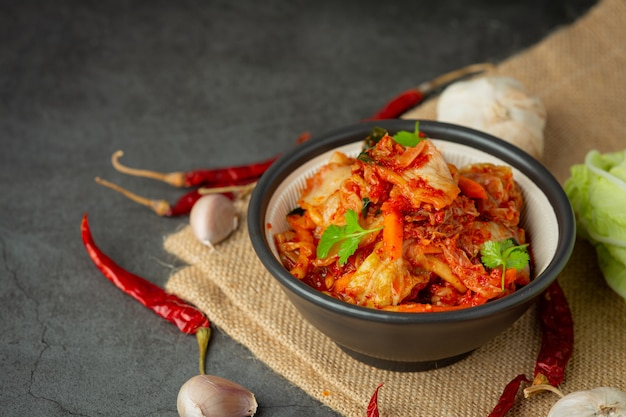 Kimchi listo para comer en un tazón