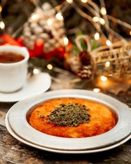 Kunefe con pistacho y café.