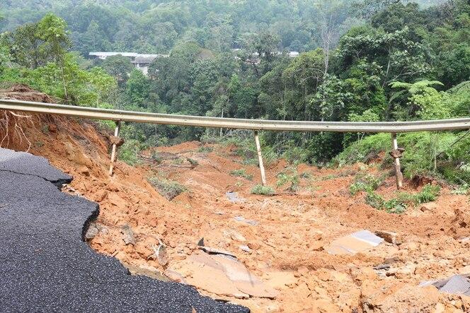 La ocurrencia de deslizamientos de tierra es causada por la filtración de aguas subterráneas