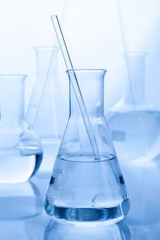 Laboratorio tubo de laboratorio para el concepto de química