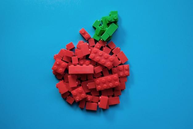 Ladrillos de juguete de manzana