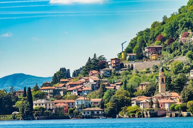 Laglio en el lago de como, italia