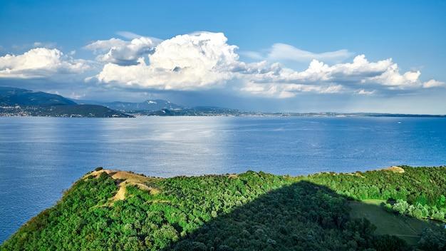 Lago de garda desde la vista superior