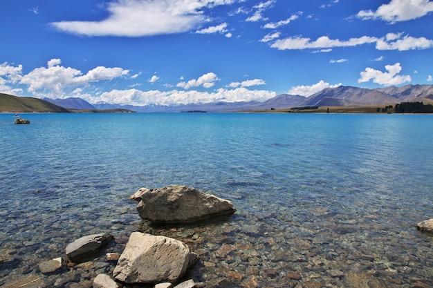 Lago tekapo en isla sur, nueva zelanda