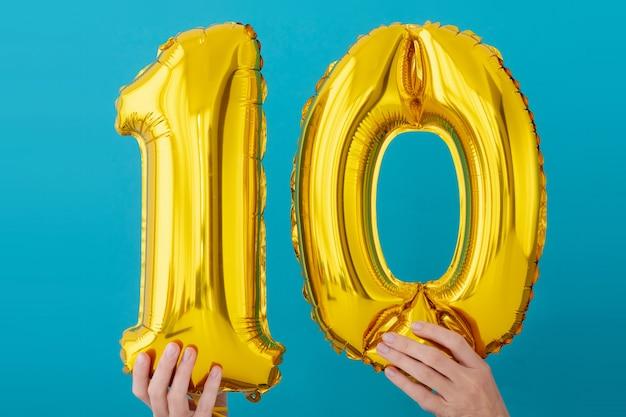 Lámina de oro número 10 diez globos de celebración