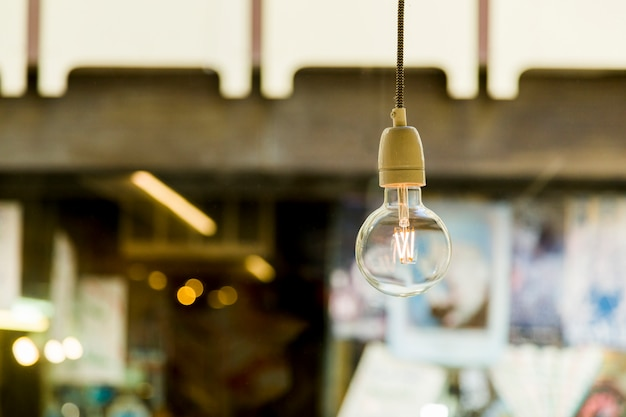 Lámpara decorativa en una tienda