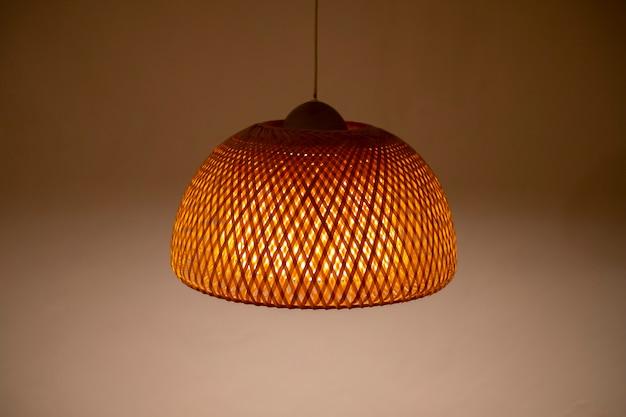 Lámpara en estilo tailandés