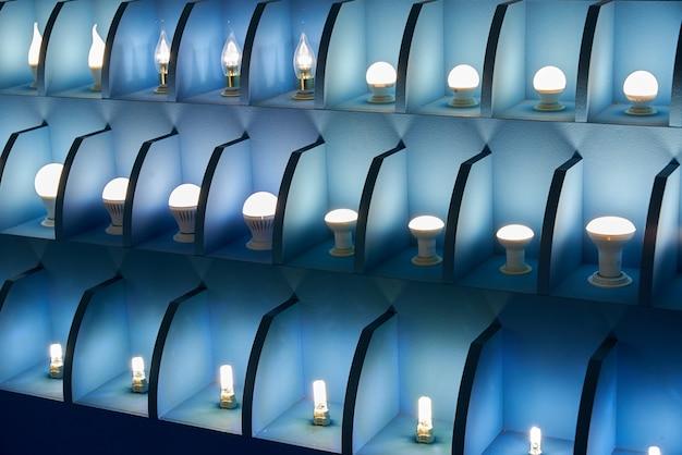 Lámparas de diferentes tamaños y formas.