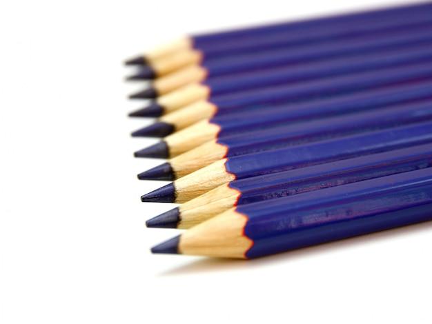 Lápices de colores aislados de cerca
