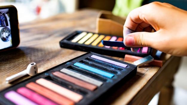 Lápices de colores pastel. foto de alta calidad