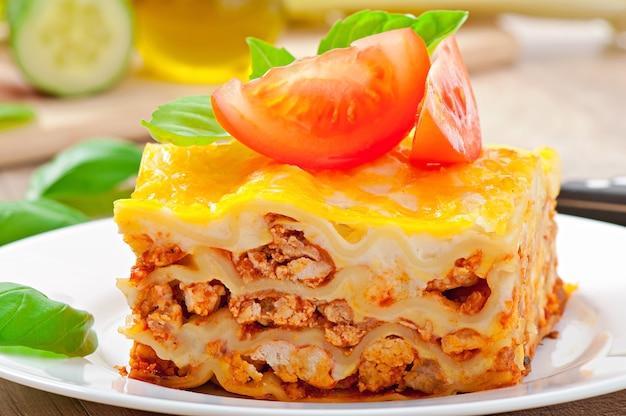 Lasaña clásica con salsa boloñesa