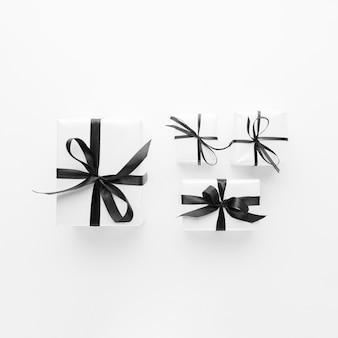 Lat plana de regalos con clase