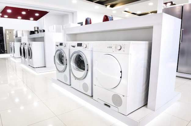 Lavado de mashines en tienda de electrodomésticos