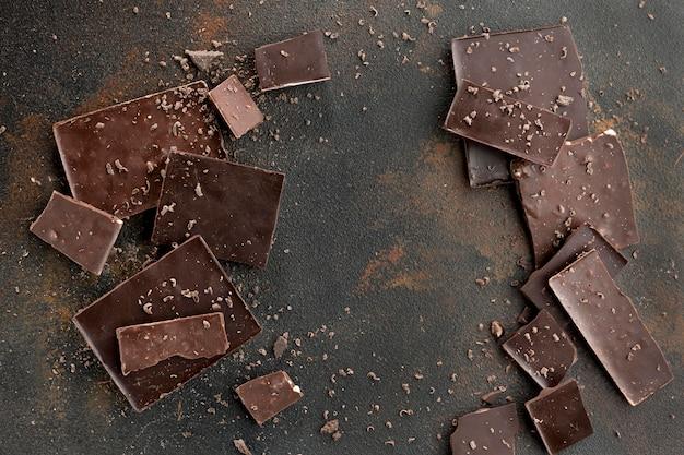 Lay flat del concepto de chocolate con espacio de copia