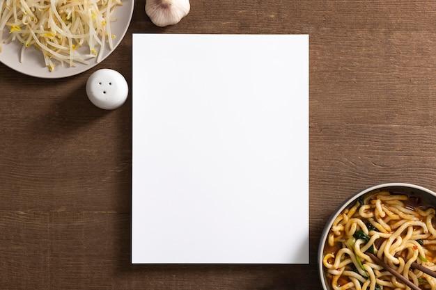 Lay flat del concepto de comida deliciosa con espacio de copia