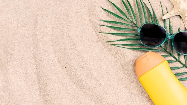 Lay flat del concepto de verano con espacio de copia