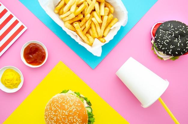 Lay flat de hamburguesas con papas fritas