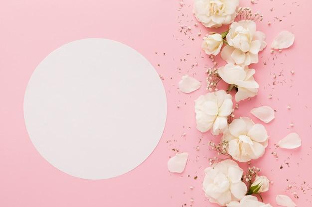 Lay flat de hermoso arreglo floral