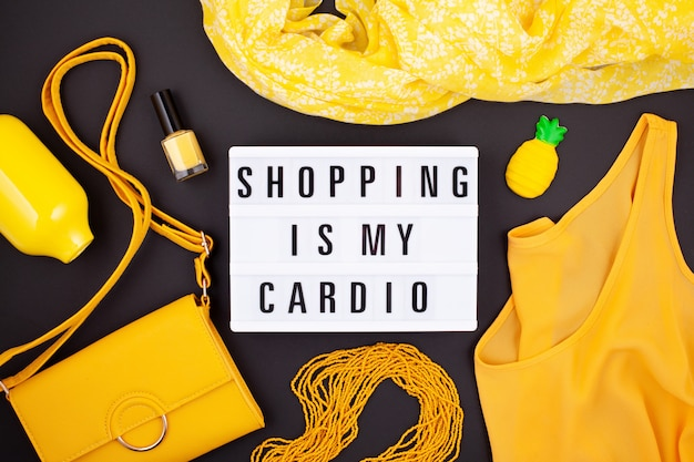 Lay flat con lightbox y cita divertida shopping is my cardio