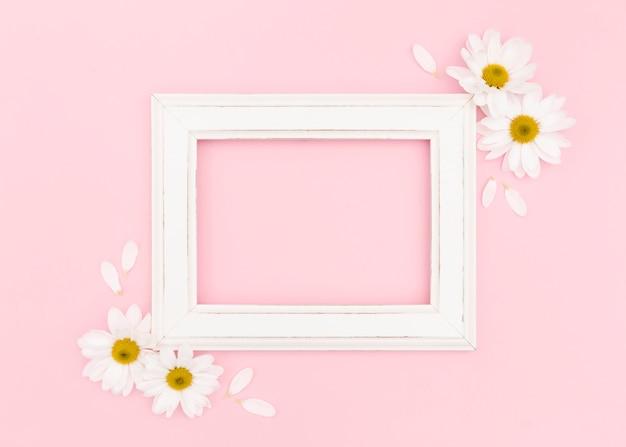 Lay flat de marco blanco con espacio de copia