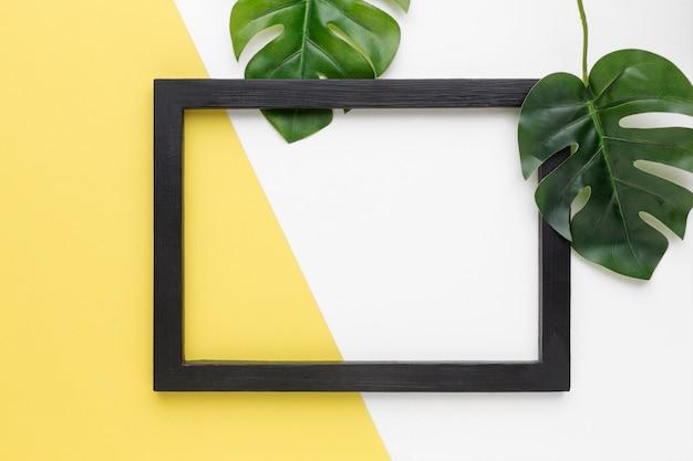Lay flat de marco negro con espacio de copia
