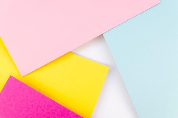 Lay flat de recortes de papel de colores