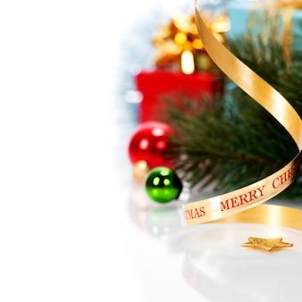 Lazo de navidad con adornos