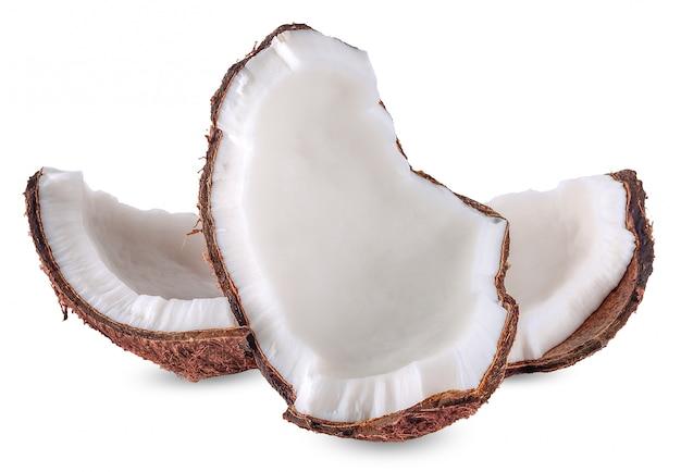 Leche de coco aislada en el trazado de recorte blanco