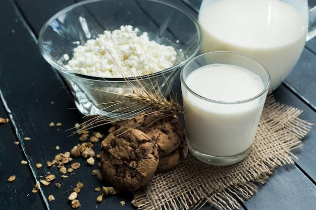 Leche, requesón - productos lácteos