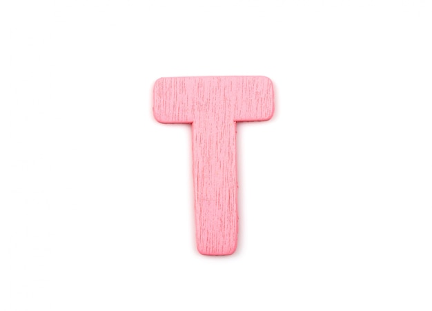 Letra rosa t hecha de madera