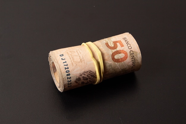 Letras de la moneda brasileña