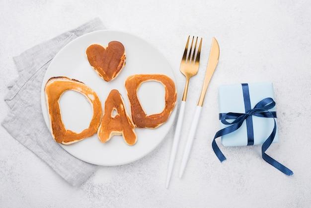 Letras de pan para el día del padre con regalo