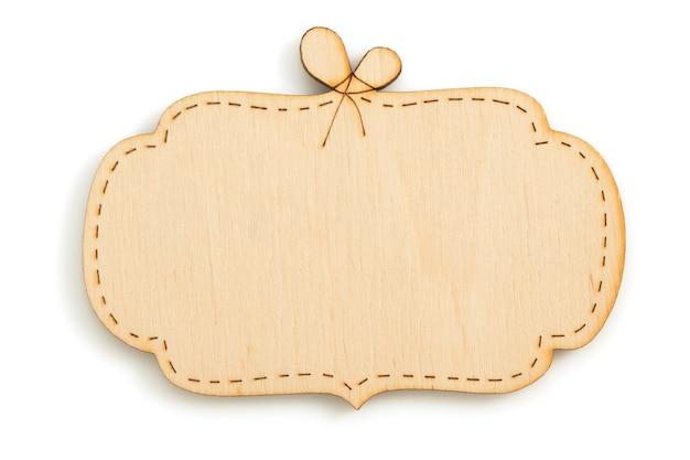 Letrero de madera aislado sobre fondo blanco.